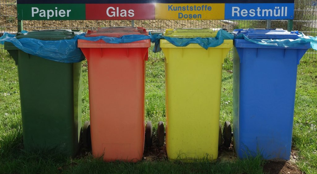 Mülltonnen / Recycling